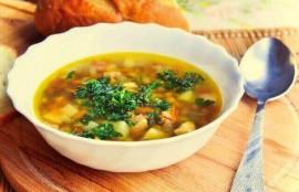 グリーンピースとセロリのスープ